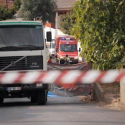 Coimbra: Motociclista de 16 anos morre em despiste e colisão com camião