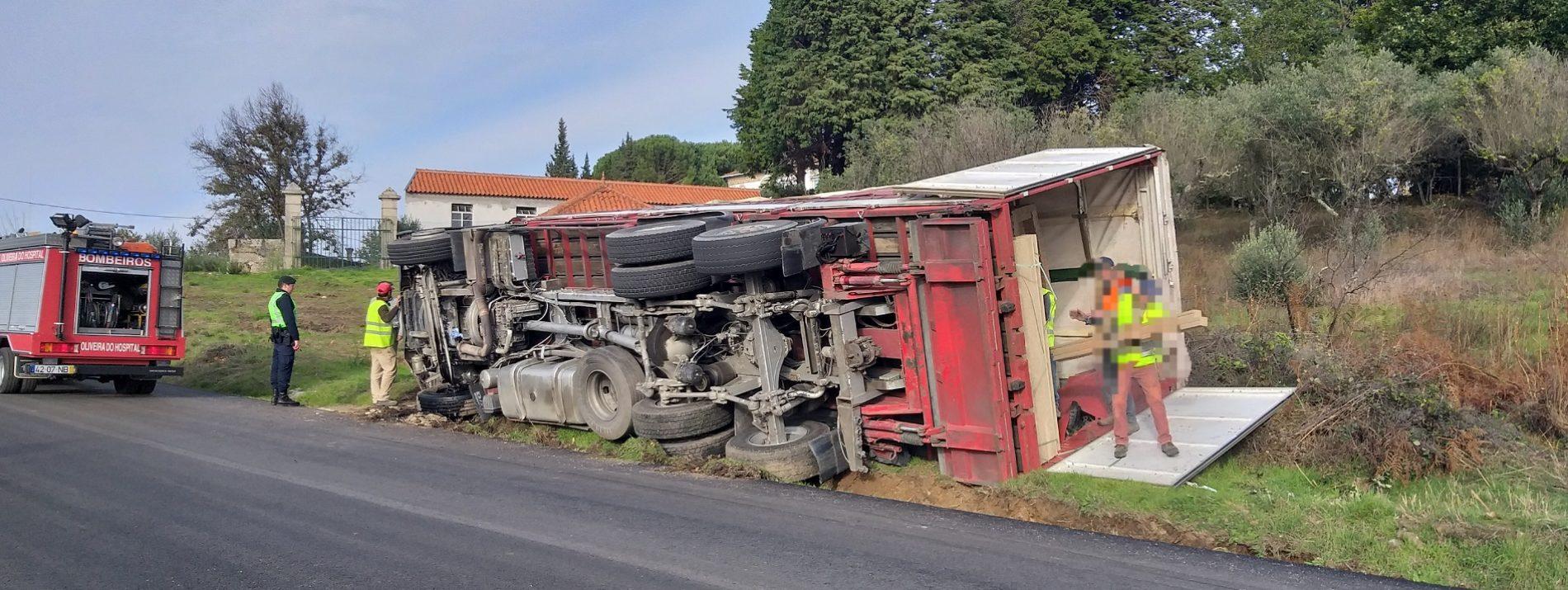 Acidente com veículo pesado provoca um ferido ligeiro no concelho de Oliveira do Hospital