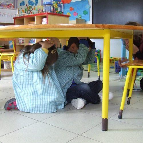 "Município oliveirense promoveu exercício ""A Terra Treme"" junto de alunos do pré-escolar e do 1.º CEB"