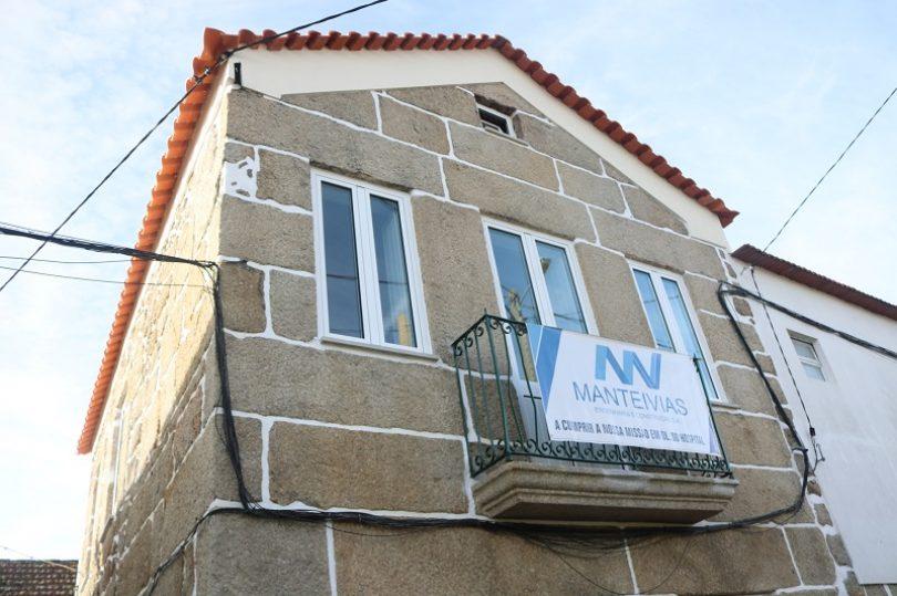 CCDRC e Município oliveirense entregaram mais uma casa. 70 casas de 123 estão concluídas