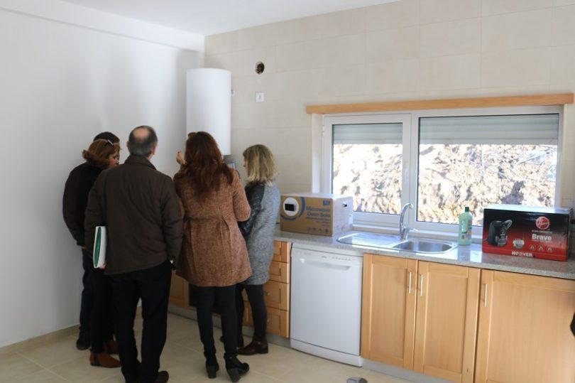 """Entregues mais três casas no concelho oliveirense. """"Na região, cerca de 55% estão concluídas e pagas"""""""