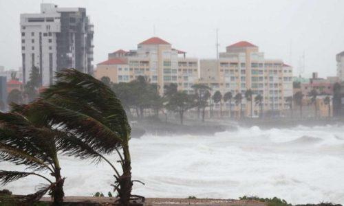 País: Toda a costa de Portugal sob aviso amarelo devido à agitação marítima. Amanhã conte com vento forte e precipitação