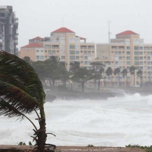 Agitação marítima coloca seis distritos sob aviso laranja
