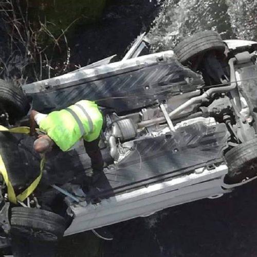 """Oliveira do Hospital: Viatura caída no rio Seia foi encontrada com """"arma de caça e respetivas munições"""""""