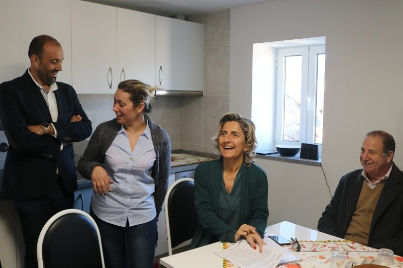 Entregues mais duas casas no concelho oliveirense. Das 123, estão concluídas 75 (Com vídeos)