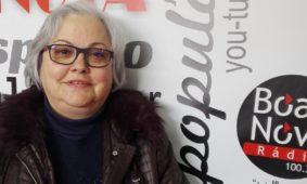 """Alice Gouveia apresenta novo livro """"De Costas Voltadas"""" (Com vídeo)"""