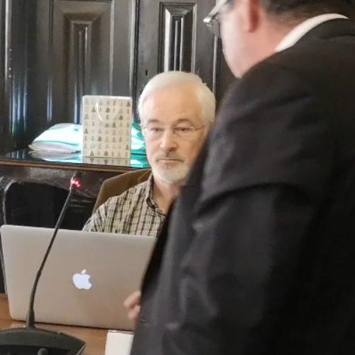 """Reunião da Câmara de Coimbra ficou marcada por """"palhaçada"""" que se tornou viral (com vídeo)"""