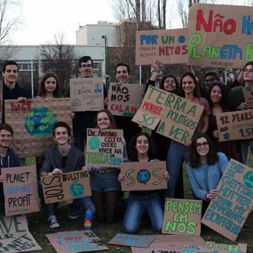 Alunos Oliveira do Hospital participam na Greve Estudantil Mundial Pelo Clima