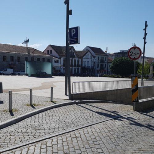 Parque de estacionamento subterrâneo da cidade de Oliveira do Hospital reabre ao público a 8 de maio