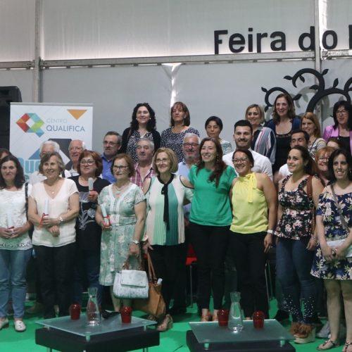 """Centro Qualifica entregou 45 diplomas a """"pessoas que tiveram coragem para se qualificar mais"""""""