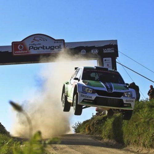 Viatura incendeia-se no troço do Rally de Portugal, em Arganil