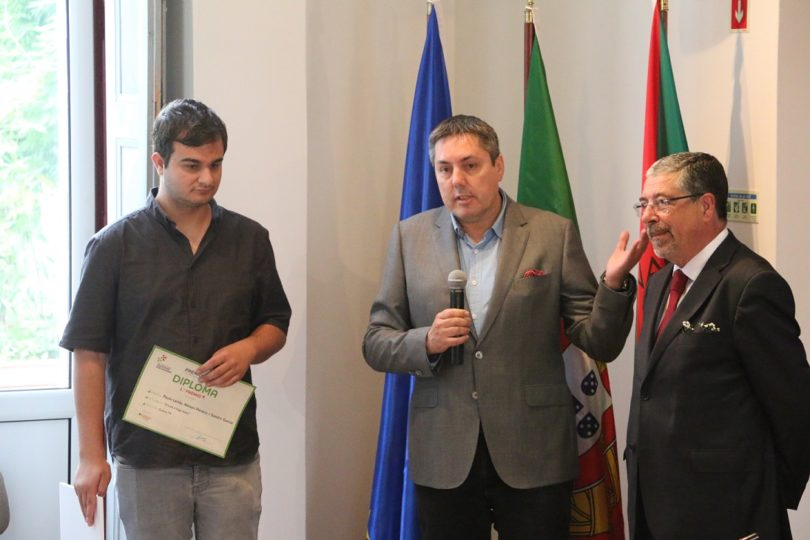 Paulo Leitão e o repórter de imagem Sandro García da Centro TV, vencem prémio da ANMP