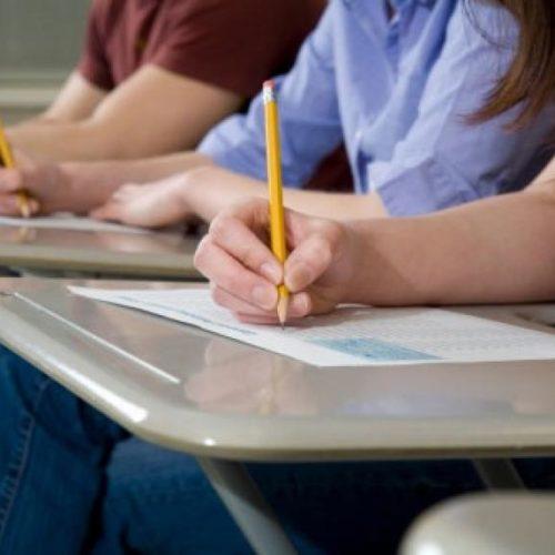 Iniciam-se esta segunda-feira duas semanas de provas para 260 mil alunos