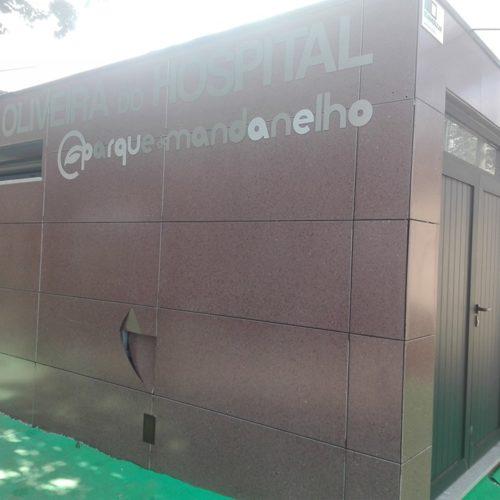 Novos sanitários do Parque do Mandanelho vandalizados na última madrugada