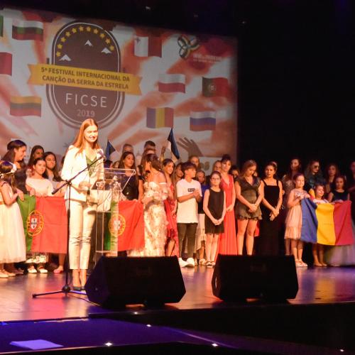 Gerry Lyubenova foi a vencedora do 5º Festival Internacional da Canção da Serra da Estrela