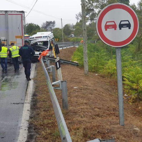 Região: Mulher de 68 anos morreu em acidente de ambulância com pesado de mercadorias