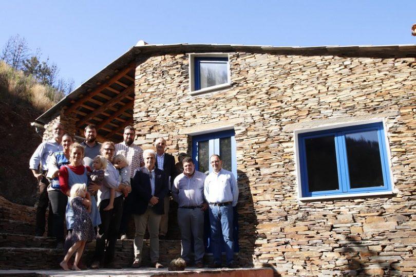 Município de Arganil e CCDRC entregam última habitação reconstruída após o incêndio