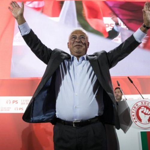 PS ganha. PSD já saudou a vitória socialista. Iniciativa Liberal, Livre e Chega podem chegar ao Parlamento. Assunção Cristas abandona presidência do CDS