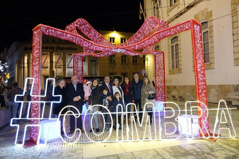 Pista de gelo e carrossel parisiense animam Coimbra no Natal