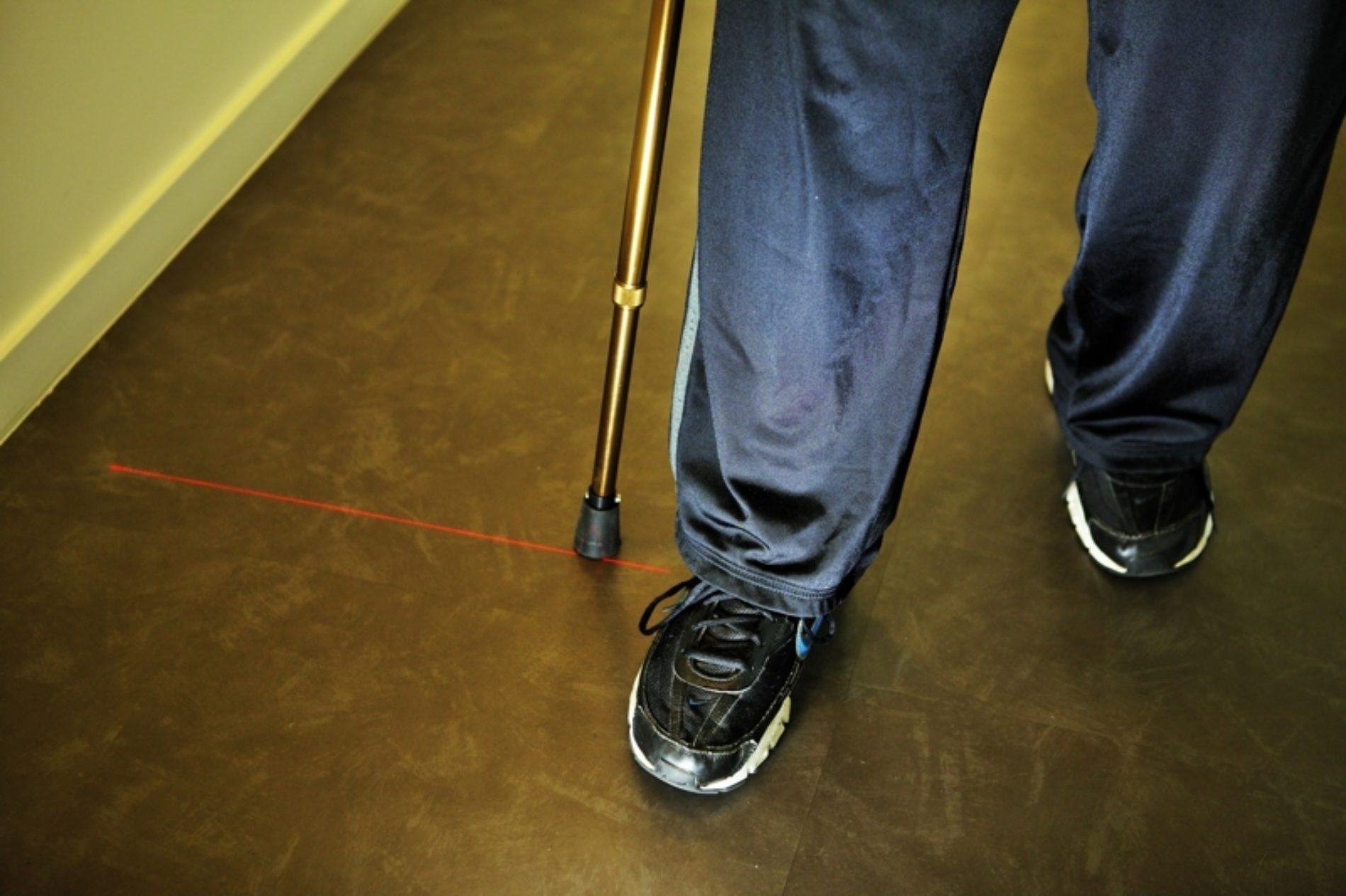 Politécnico de Coimbra desenvolve bengala para doentes de Parkinson