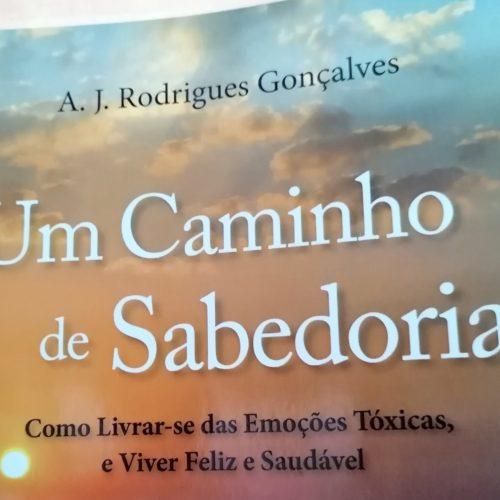 "Rodrigues Gonçalves lança livro que ensina a ""Viver Feliz"" (com vídeo)"
