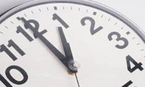 Relógios adiantam uma hora na madrugada de domingo