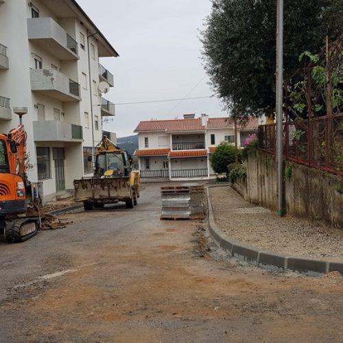 Município reabilita ruas do Bairro do Abrunhós em Arganil