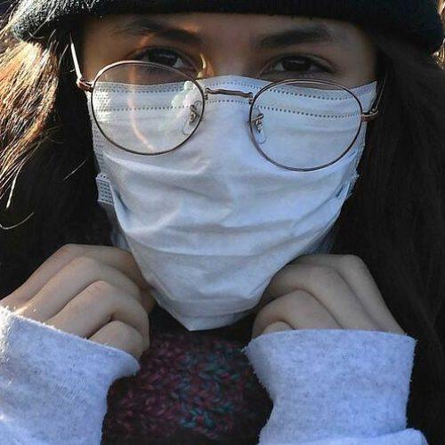 """DGS recomenda uso de """"máscaras sociais"""" em espaços fechados"""