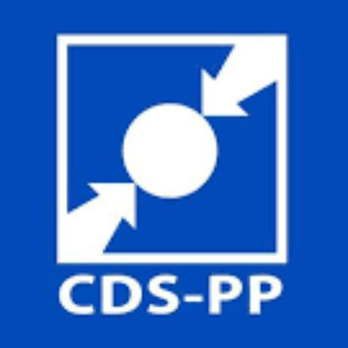"""25 de Abril: CDS-PP ausente de """"ato simbólico"""" de hastear das bandeiras em Oliveira do Hospital"""
