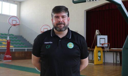 """Cláudio Figueiredo continua no comando do Sampaense. Manutenção é o objetivo """"mas querendo sempre algo mais"""""""