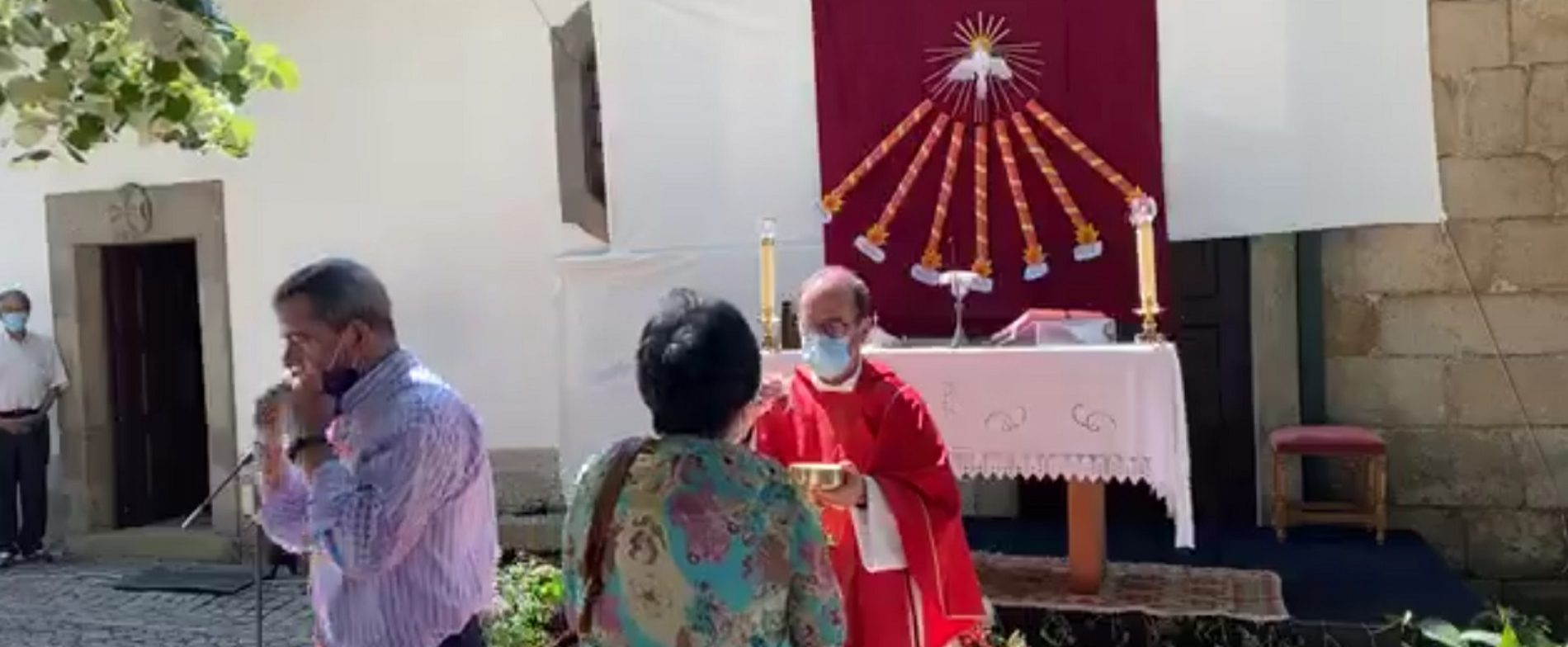 """""""É com muita alegria que nos reunimos neste domingo para celebrar a Eucaristia"""""""