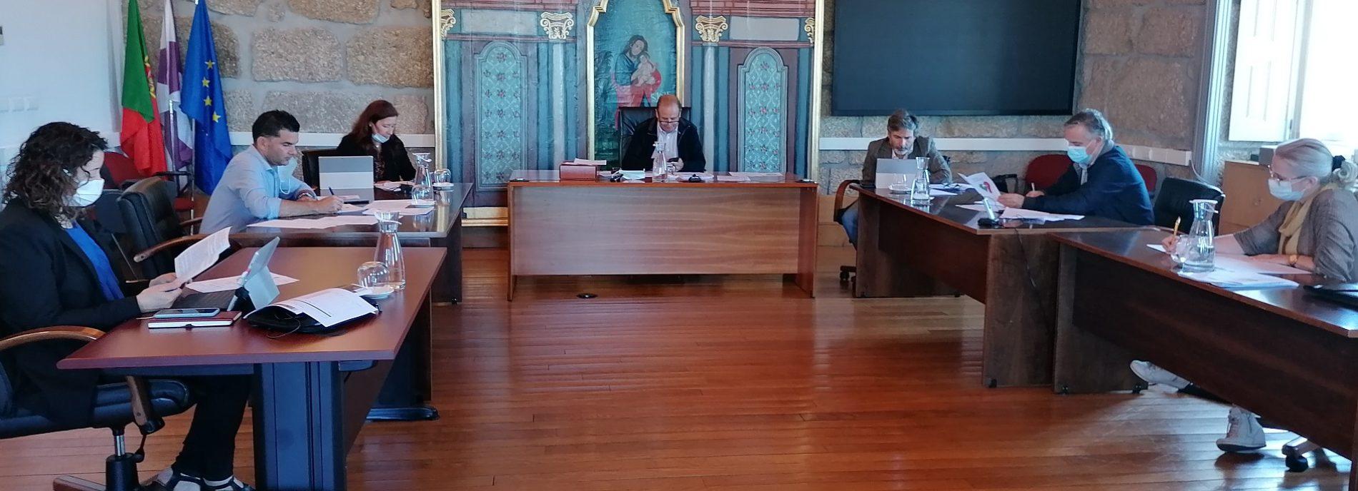 Alexandrino assegura que subsídio de 6600 Euros é destinado às fábricas da igreja  para despesas no contexto de Covid-19